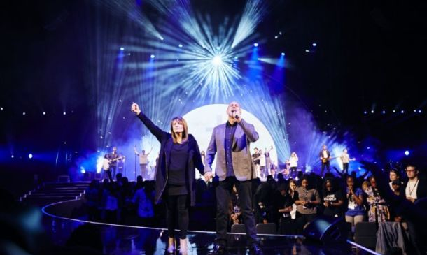 Brian and Bobbie Houston to step back from global leadership of Hillsong