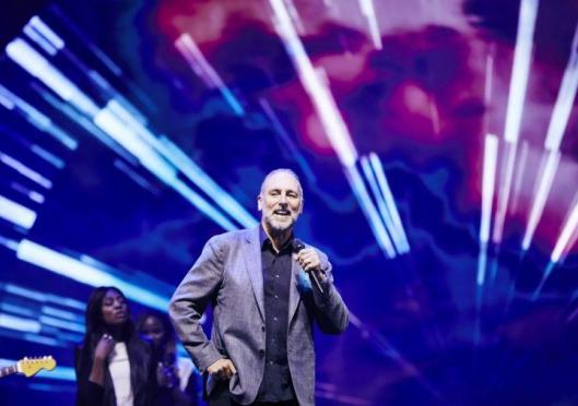 Hillsong pastor Brian Houston stands by decision not to report dad's child abuse to police